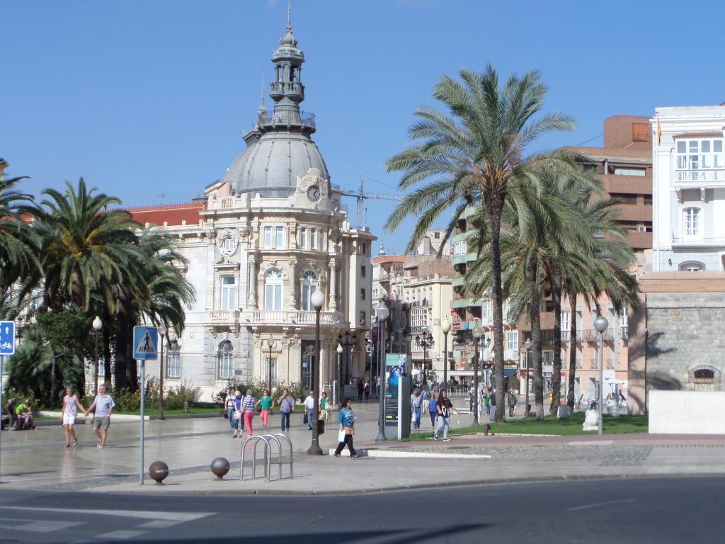 Tourist-Info und Eingang zu Stadt
