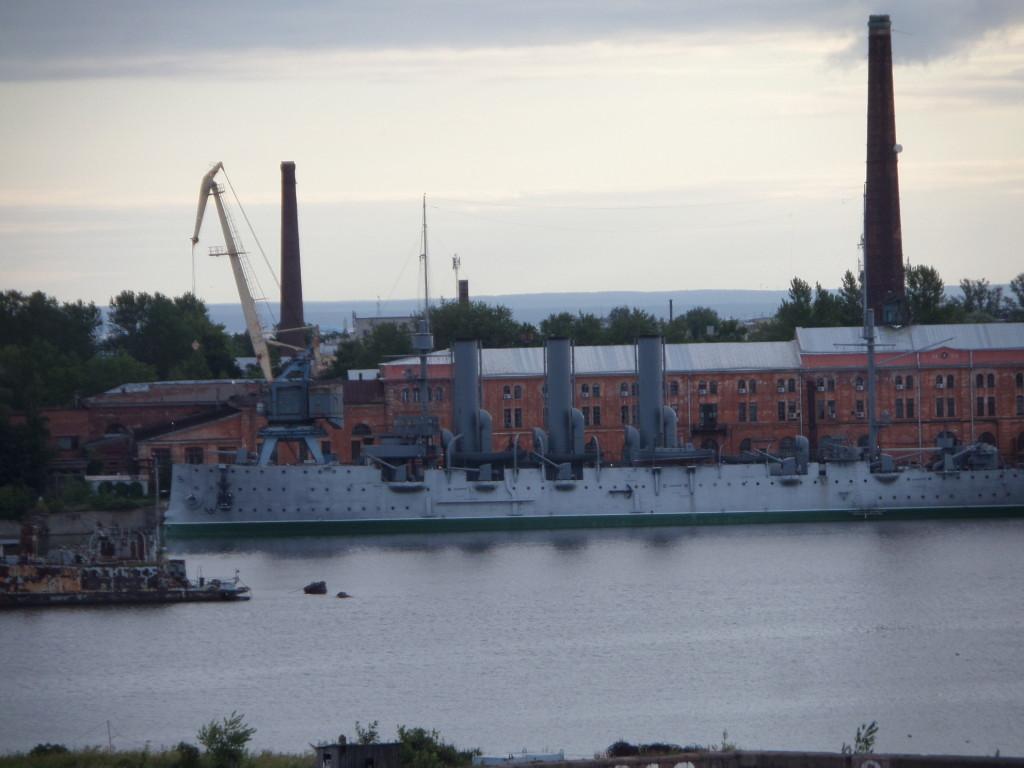 Panzerkreuzer Aurora vor St Petersburg