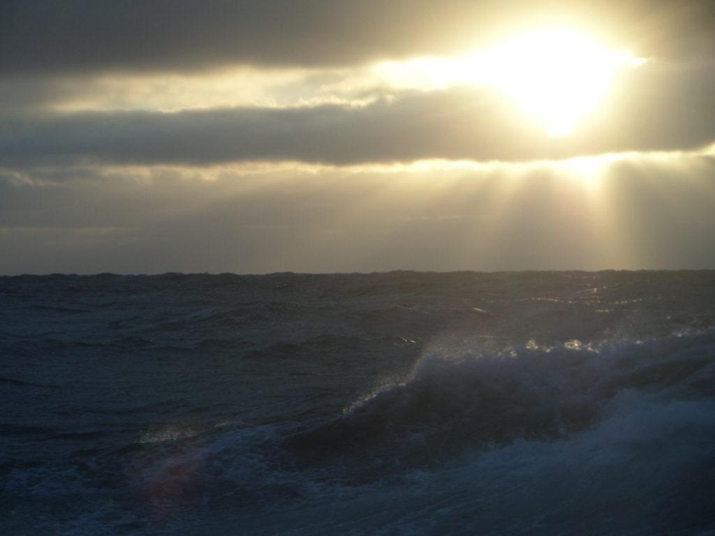 Sonnenaufgang über der See